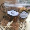 (muesli, cajou aux raisins, graines à saupoudrer, mélange du randonneur