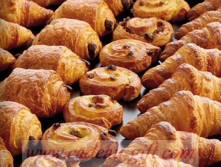 livraison à domicile croissant pain au chocolat pains aux raisins à Madagascar - viennoiseries