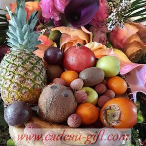 Bouquet de fleurs et fruits exotiques en livraison à domicile Madagascar